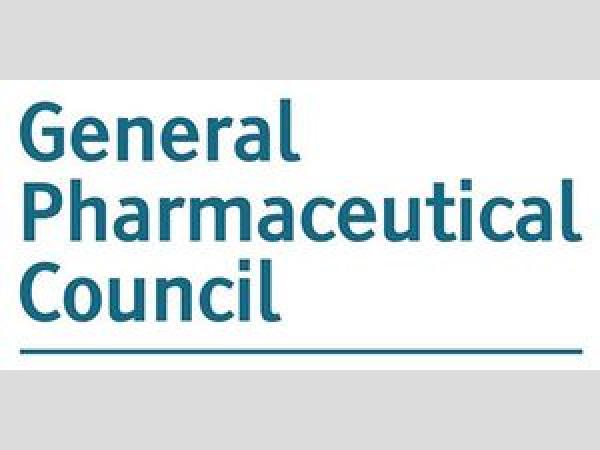 Illegális gyógyszerforgalmazás miatt felfüggesztették 3 brit gyógyszerész engedélyét